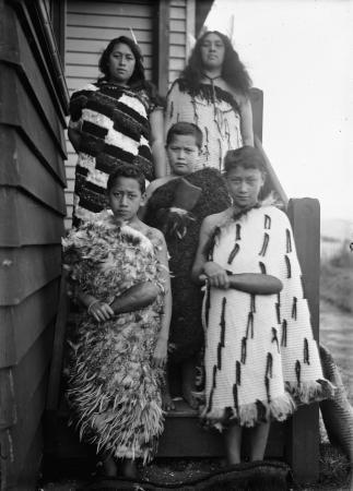 Rīpeka Wharawhara Love with her children