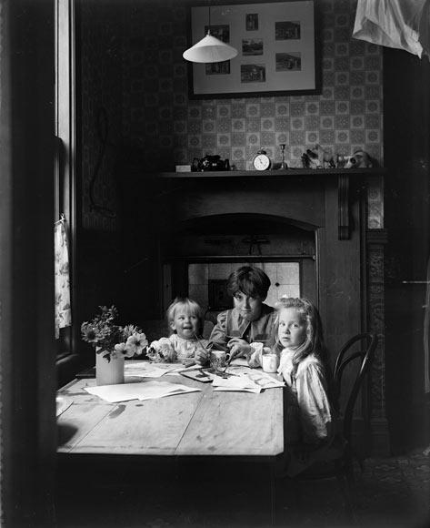 Minding siblings, around 1900