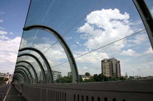 Barriers on Grafton Bridge