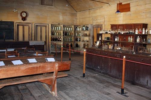 Thames School of Mines: classroom