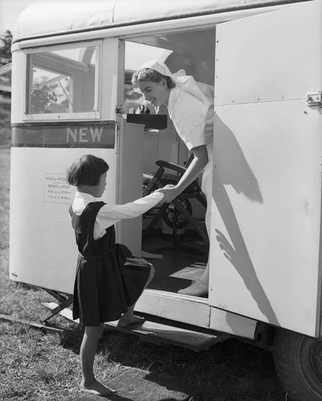 Dental nursing: Mobile dental clinic, 1949