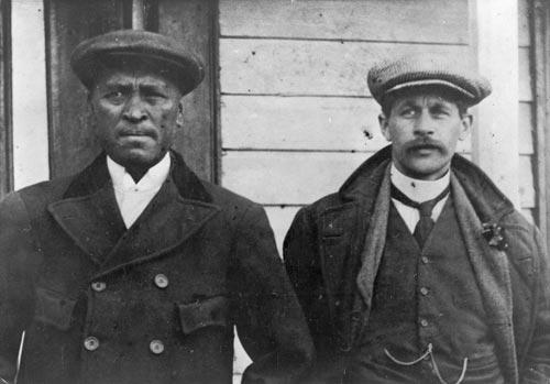 Ngā mihana Pereihipitiriana Māori: ko Rua Kēnana rāua ko John Laughton