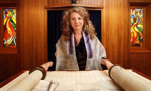 Woman rabbi, Wellington