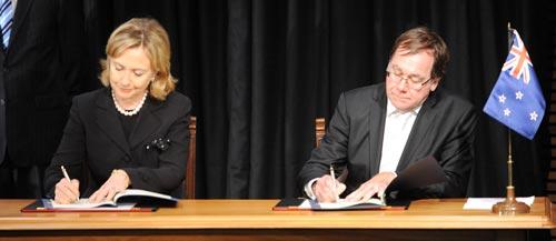 Signing the Wellington Declaration