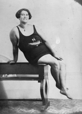 Katerina Nēhua, 1930s