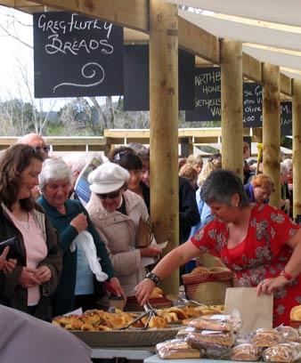 Oratia farmers' market, 2007