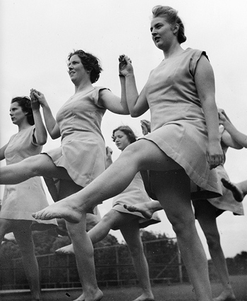 Trainee physical welfare instructors, 1944