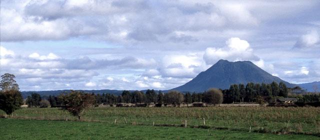 Pūtauaki (Mt Edgecumbe)