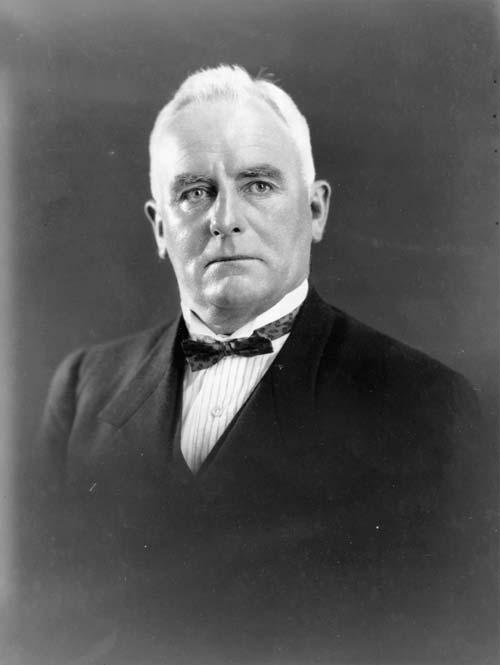 Allen Bell, 1928