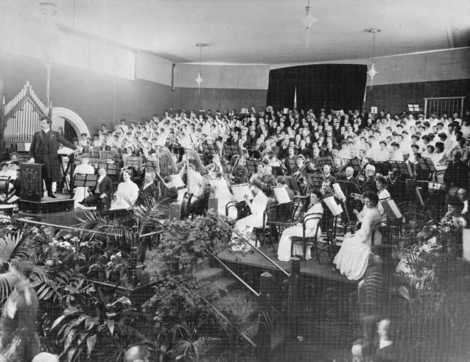 Alfred Francis Hill, conducting in 1906