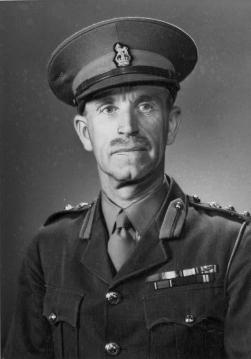 John Llewellyn Saunders, 1940