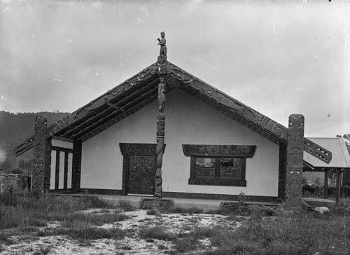 Te wharenui o Māhinaarangi