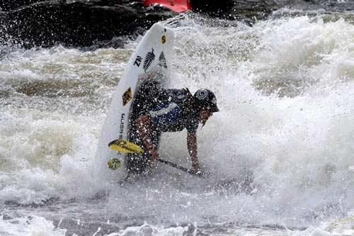 Freestyle kayaking