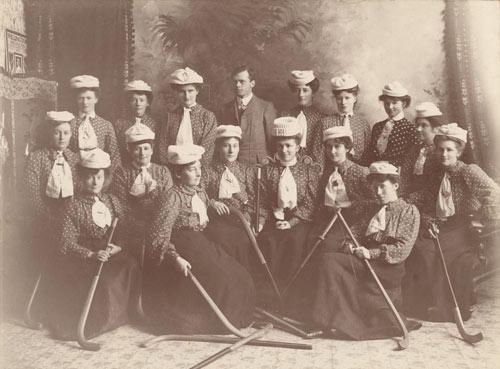 Ladies' hockey team, Gore, 1906