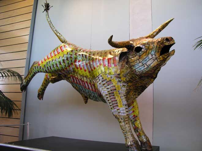 Corned-beef tin bull