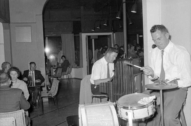 Chez Eelco coffee house, Nelson, 1962
