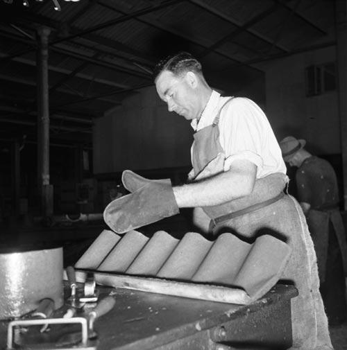 Making asbestos fibrolite