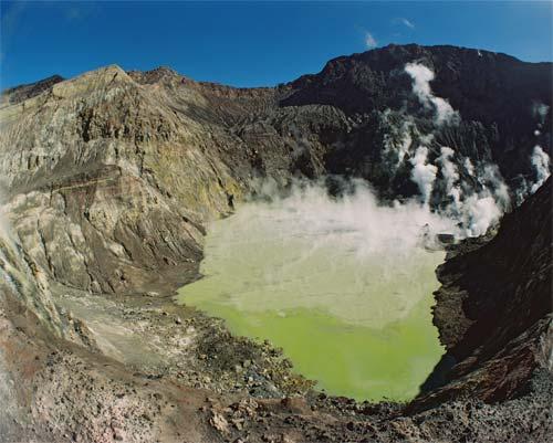 Crater lake, White Island