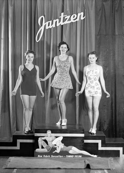 1940s bathing costumes