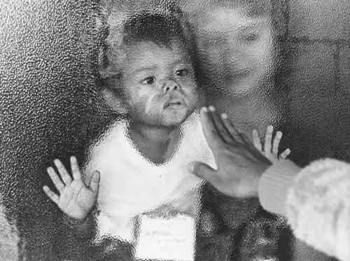 Refugees arrive, 1985