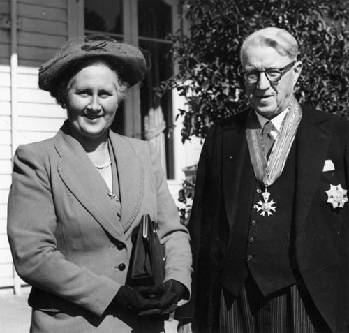 Mary Victoria Cracroft Grigg and William John Polson, 1952