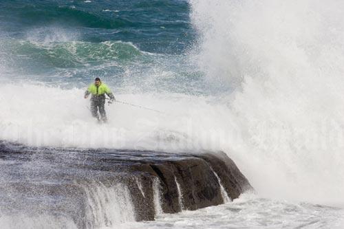 High tide, Muriwai