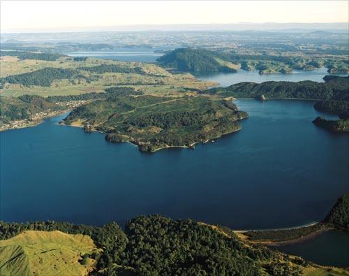 Ngā roto o Rotorua