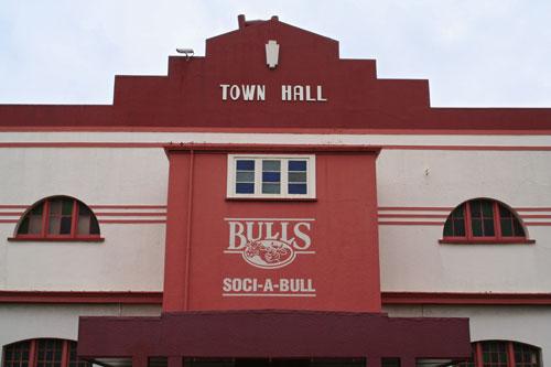 Soci-a-bull sign
