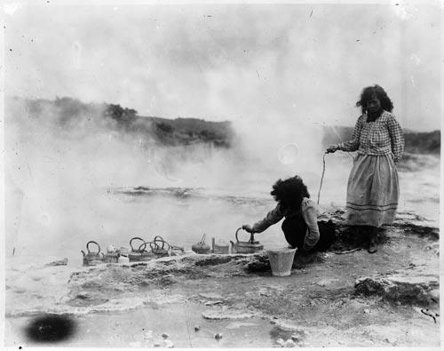Māori women cooking at Whakarewarewa